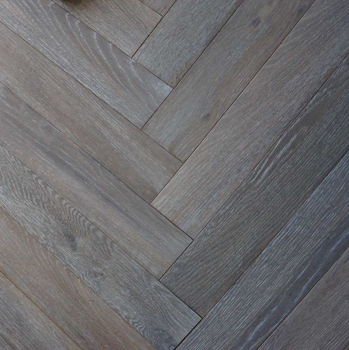 MAXI HERRINGBONE ENGINEERED WOOD FLOORING OAK SMOKED BRUSHED WHITE OILED 90X600MM