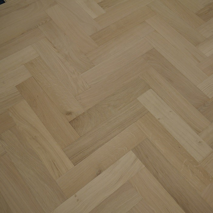 YNDE-PARQUET HERRINBONE ENGINEERED WOOD FLOORING CLASSIC UNFINISHED OAK 90x300mm