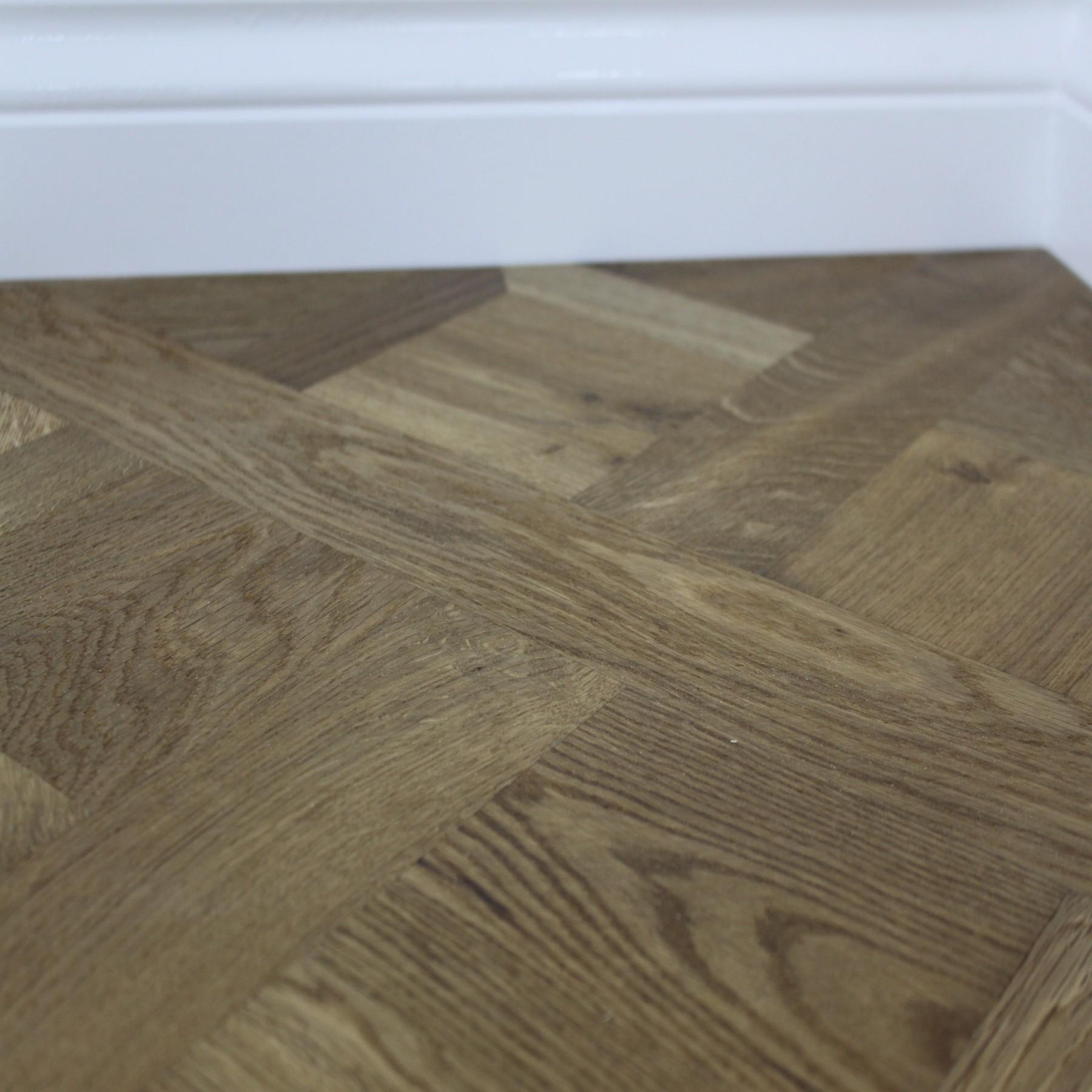 Maxi Versailles Panels Natural Smoked Oak Oiled Engineered Wood Flooring  580x580mm