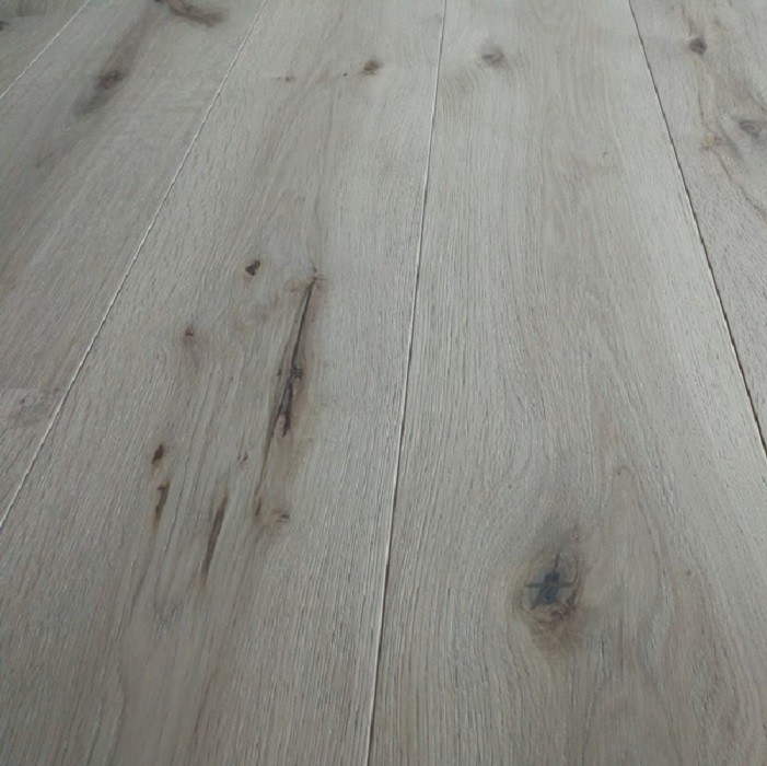 YNDE-190 ENGINEERED WOOD FLOORING 3-PLY RUSTIC INVISIBLE FINISH RAW OAK 190x1900mm