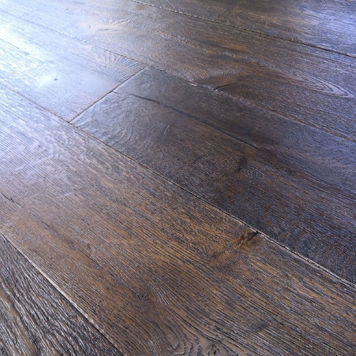 YNDE-ANTIQUE ENGINEERED DISTRESSED BRUSHED VINTAGE OAK BLACK OILED ANTIQUE 220x2200mm