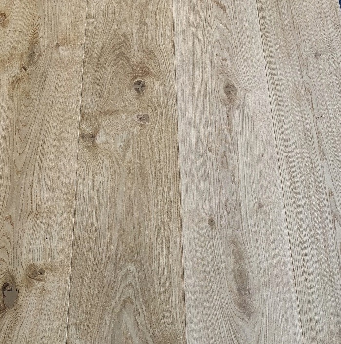 YNDE-220  ENGINEERED WOOD FLOORING MULTIPLY INVISIBLE FINISH RAW OAK 220x2200