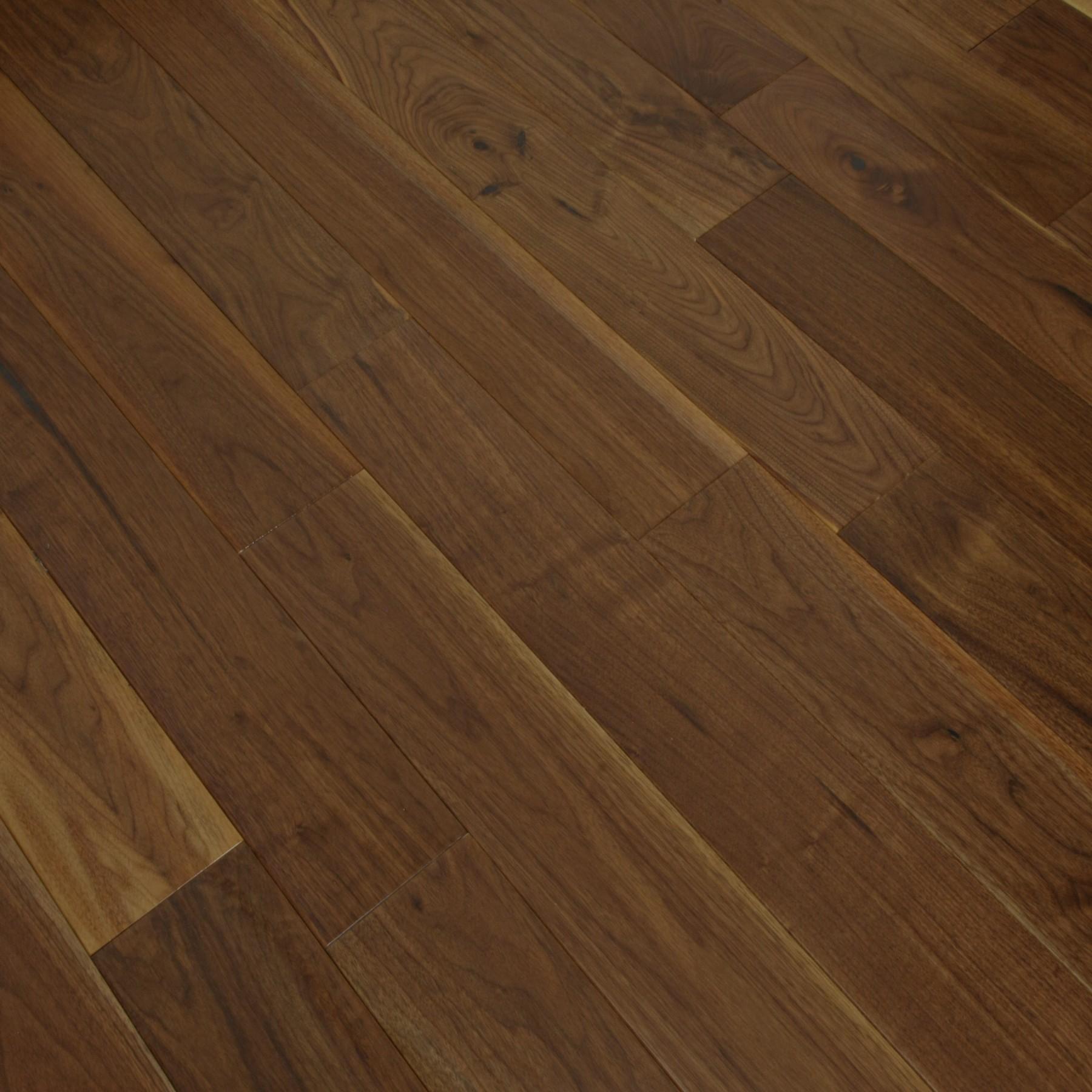 BELLA AURORA Walnut Flooring Lacquered
