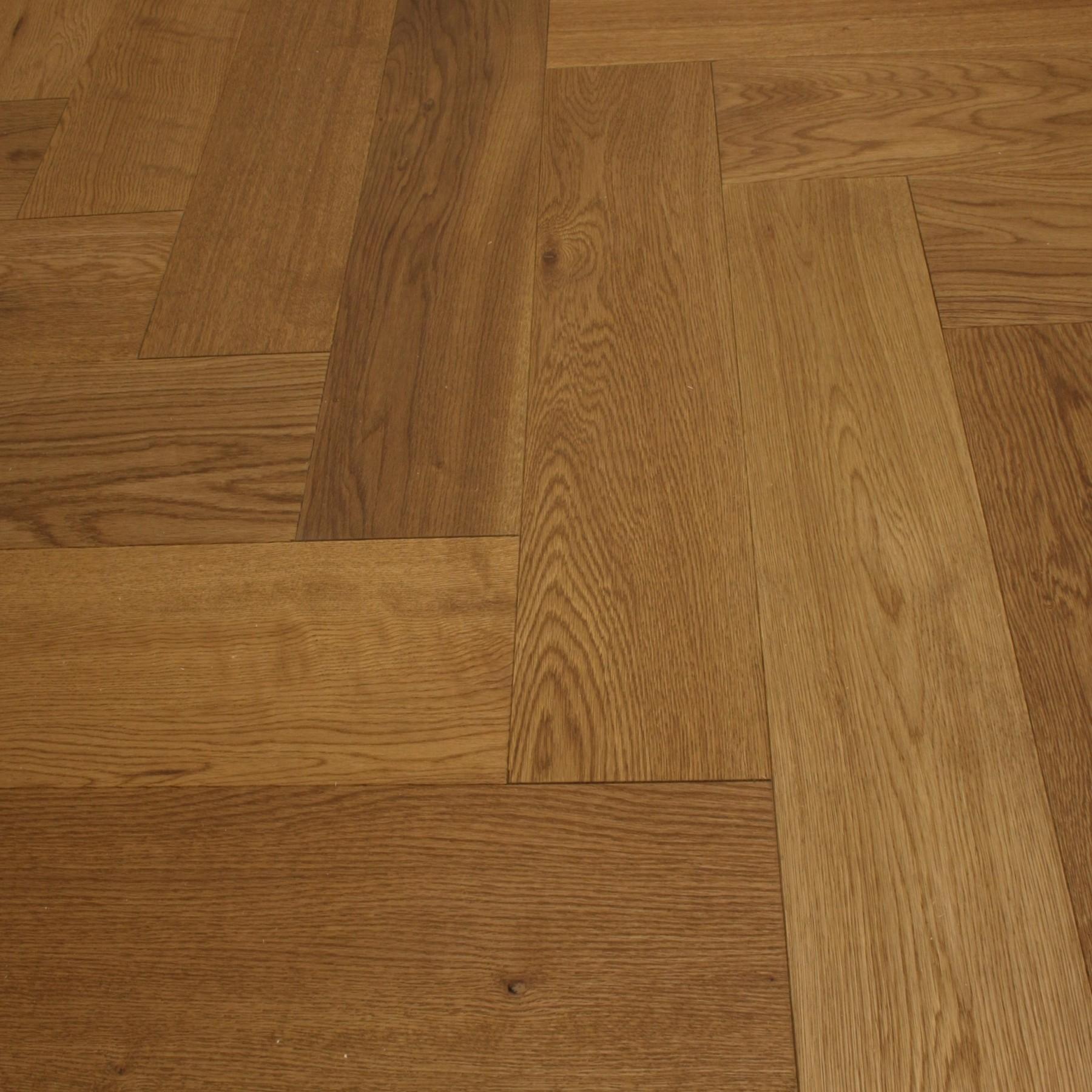 Y2 herringbone engineered wood oak natural uv lacquered for Instock flooring