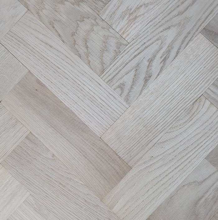 LIVIGNA HERRINGBONE SOLID WOOD FLOORING OAK PRIME UNFINISHED 70X280MM