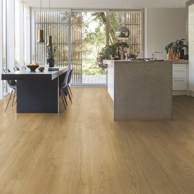 QUICK STEP LAMINATE MAJESTIC COLLECTION OAK WOODLAND NATURAL  FLOORING 9.5mm