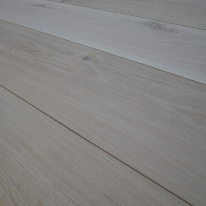 YNDE-300 ENGINEERED WOOD FLOORING UNFINISHED CLASSIC OAK 300x2200mm