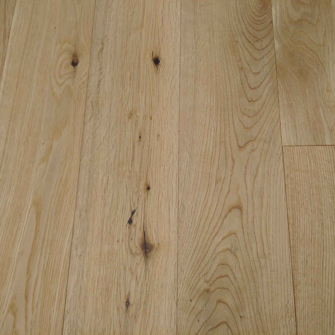 NATURAL BRUSHED OAK LACQUERED