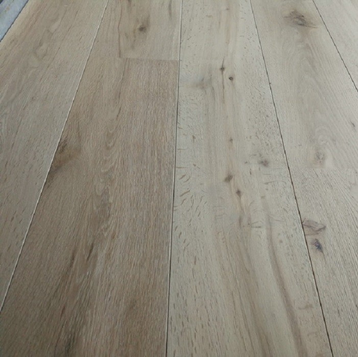 Y2 ENGINEERED WOOD FLOORING 3-PLY RUSTIC INVISIBLE FINISH RAW OAK 242x2350mm