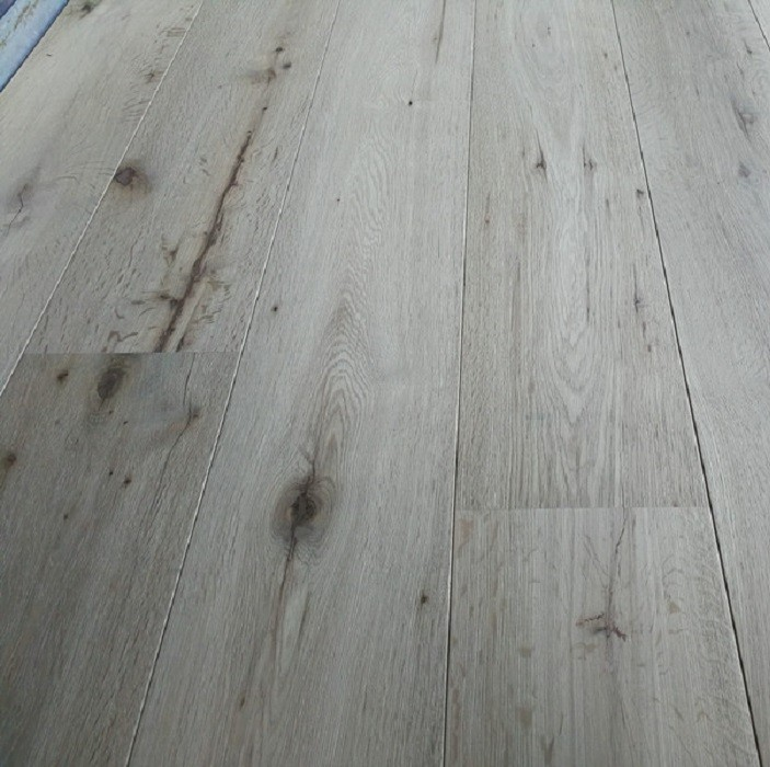 Y2 ENGINEERED WOOD FLOORING INVISIBLE RAW OAK 190x1900mm