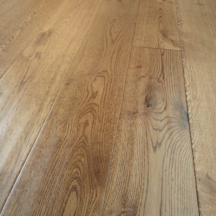 Y2 ENGINEERED WOOD FLOORING RUSTIC GOLDEN HANDSCRAPPED OILED OAK 190x1900mm