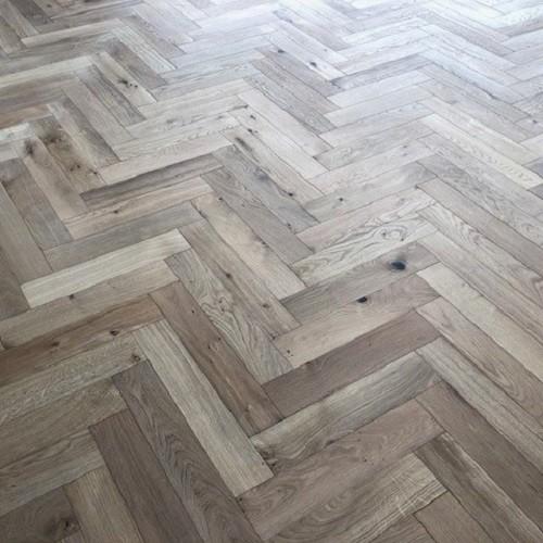 Y2 Solid Wood Flooring Herringbone Oak Unfinished 80x400mm Trendy