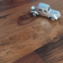 MAXI ENGINEERED WOOD FLOORING  WALNUT LACQUERED