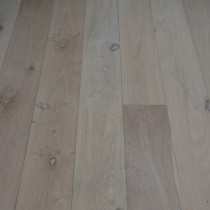 Y2 ENGINEERED WOOD FLOORING MULTIPLY OAK UNFINISHED 220x2200