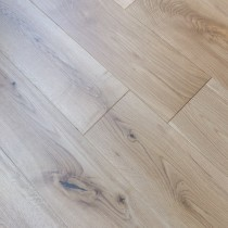 Y2 SOLID WOOD FLOORING CLASSIC OAK LACQUERED