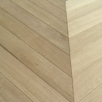 MAXI CHEVRON ENGINEERED WOOD FLOORING OAK RUSTIC 90X600MM
