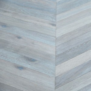 MAXI CHEVRON ENGINEERED WOOD FLOORING OAK RUSTIC SMOKED WHITE OILED 90X600MM